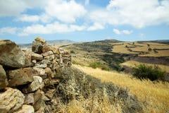 Vecchia parete di pietra immagini stock