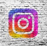 Vecchia parete incrinata con instagram immagini stock libere da diritti