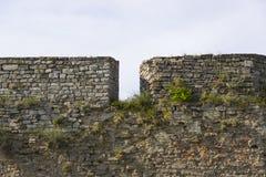Vecchia parete medievale della fortezza Fotografia Stock Libera da Diritti