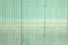 Vecchia parete verde dello zinco Fotografia Stock Libera da Diritti