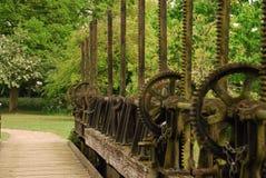 Vecchia passerella dello stagno della diga Fotografia Stock