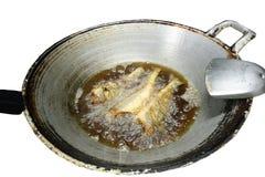 Vecchia pentola e pesce fritto Fotografia Stock Libera da Diritti