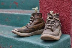 Vecchia piantatrice funky degli stivali immagine stock libera da diritti