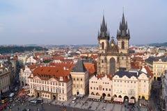 Vecchia piazza di Praga immagini stock