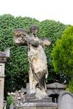 Vecchia pietra tombale di angelo fotografie stock