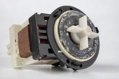 Vecchia pompa della lavatrice Pezzi di ricambio per gli elettrodomestici fotografie stock libere da diritti
