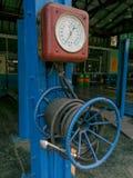 Vecchia pompa di aria fotografie stock