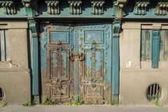 Vecchia porta a Budapest Fotografie Stock