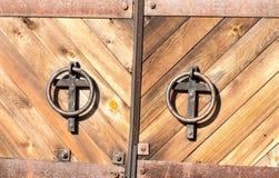 Vecchia porta in chiesa Fotografie Stock