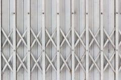 Vecchia porta del metallo di stile grungy d'annata Immagini Stock Libere da Diritti