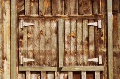 Vecchia porta di granaio di legno Fotografie Stock