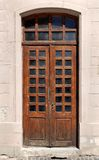 Vecchia porta di legno con le finestre di vetro Fotografia Stock