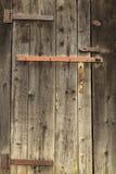 Vecchia porta di legno con un estratto della serratura Immagini Stock