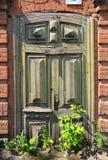 Vecchia porta di legno dell'arco Fotografia Stock