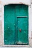 Vecchia porta di legno verde Fotografia Stock