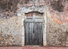 Vecchia porta di Yucatan, Messico immagini stock libere da diritti