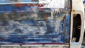 Vecchia porta posteriore con il fanale posteriore mancante Fotografie Stock Libere da Diritti