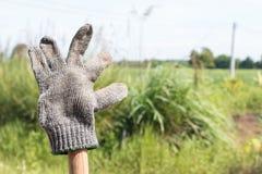 Vecchia post-utilizzazione sporca dei guanti Fotografie Stock Libere da Diritti