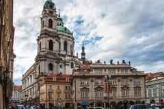 Vecchia Praga - bella chiesa barrocco immagine stock