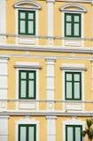 Vecchia progettazione della finestra di colore verde della costruzione Fotografie Stock