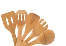 Vecchia raccolta dei cucchiai di legno isolati su fondo bianco immagini stock libere da diritti