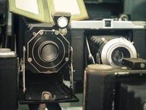 Vecchia raccolta dell'annata delle macchine fotografiche Fotografia Stock