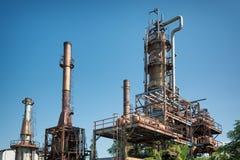 Vecchia raffineria di petrolio Fotografia Stock