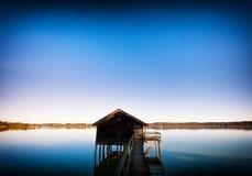 Vecchia rimessa per imbarcazioni di legno Fotografie Stock Libere da Diritti