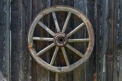 Vecchia rotella di legno del carrello Immagini Stock Libere da Diritti