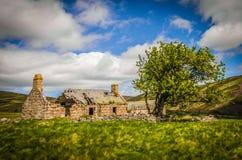 Vecchia rovina abbandonata della fattoria di Glenfenzie in Scozia Fotografie Stock