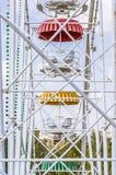 Vecchia ruota panoramica sovietica scalfita immagini stock libere da diritti