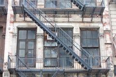 Vecchia scala del fuoco Fotografia Stock Libera da Diritti