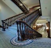 Vecchia scala in tribunale pionieristico Fotografia Stock