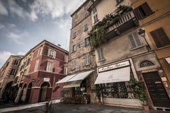 Vecchia scena della via del centro urbano di Parma Fotografie Stock