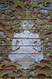 Vecchia scultura di legno tailandese in tetto del tempio Fotografia Stock Libera da Diritti