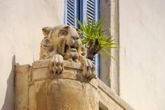 Vecchia scultura di pietra del leone Fotografie Stock Libere da Diritti