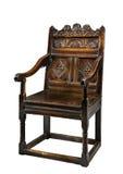 Vecchia sedia antica del rivestimento della quercia con la scultura isolata su bianco Fotografie Stock