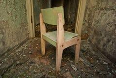 Vecchia sedia dei bambini Fotografie Stock