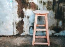 Vecchia sedia fatta a mano delle feci Immagine Stock Libera da Diritti