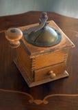 Vecchia smerigliatrice del coffe Fotografie Stock Libere da Diritti