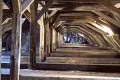 Vecchia soffitta di una casa, segreti nascosti Immagini Stock