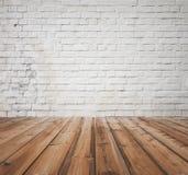 Vecchia stanza con il muro di mattoni Fotografie Stock Libere da Diritti