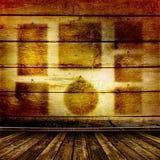 Vecchia stanza con le vecchie pareti di legno Fotografia Stock Libera da Diritti