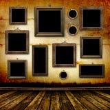 Vecchia stanza, interiore del grunge con i blocchi per grafici Fotografie Stock Libere da Diritti