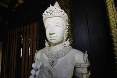 Vecchia statua di angelo in tailandese immagini stock libere da diritti