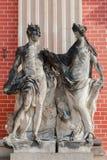 Vecchia statua due nella sosta di Sanssouci a Potsdam immagine stock libera da diritti
