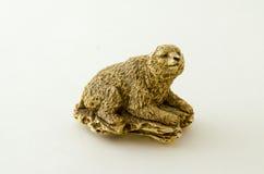 Vecchia, statua tagliata di un orso Fotografia Stock Libera da Diritti