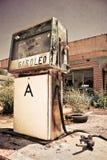Vecchia stazione di servizio Fotografie Stock Libere da Diritti