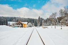 Vecchia stazione ferroviaria nell'inverno Fotografia Stock Libera da Diritti