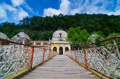 Vecchia stazione termale storica austriaca in Baile Herculane Fotografie Stock Libere da Diritti